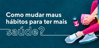 Texto: Como mudar maus hábitos para ter mais saúde? Ao lado mulher sentada com peras cruzadas e garrafinha de água rosa no chão.